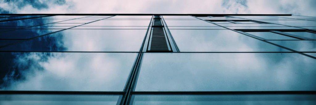 Gereinigte Glaswand